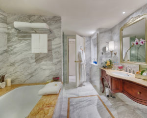 Masterpiece-Bathroom-Apricot-Hotel-Hanoi-2